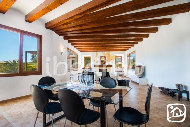 Villa  en Javea  para 9 personas con piscina privada, aire acondicionado e internet  p4