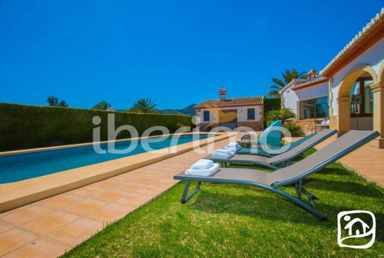 Villa  en Javea  para 9 personas con piscina privada, aire acondicionado e internet  p34