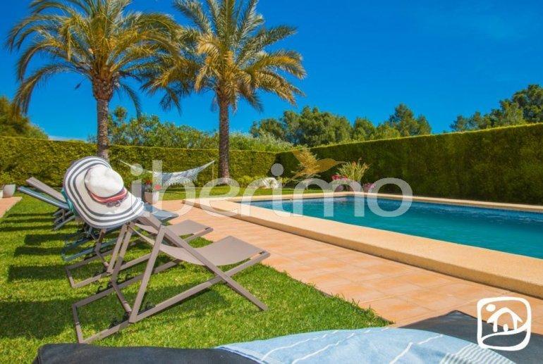 Villa  en Javea  para 9 personas con piscina privada, aire acondicionado e internet  p3