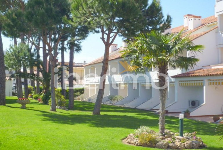 Flat  in L'Escala  for 4 people with communal pool, air conditioning and near sea  p13