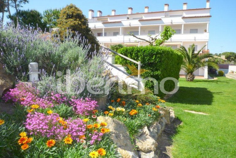 Flat  in L'Escala  for 4 people with communal pool, air conditioning and near sea  p12