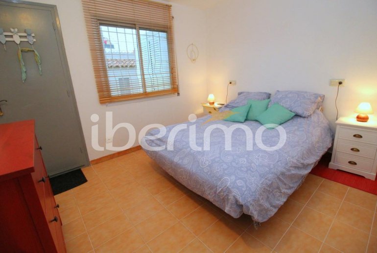 Flat  in L'Escala  for 4 people with communal pool, air conditioning and near sea  p10