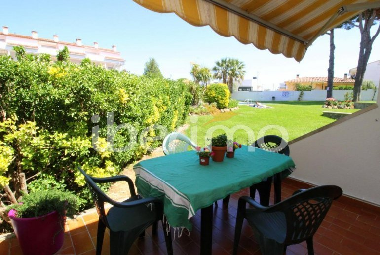 Flat  in L'Escala  for 4 people with communal pool, air conditioning and near sea  p3