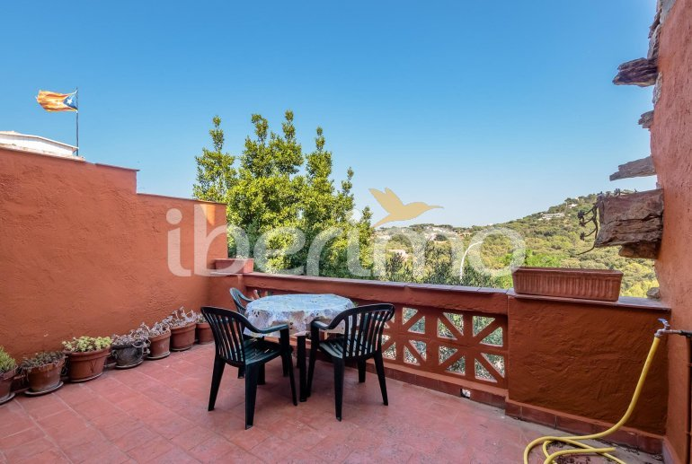 House  in Begur  for 6 people with parking in the property  p0