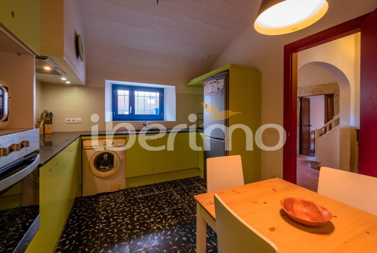 House  in Begur  for 6 people with parking in the property  p3