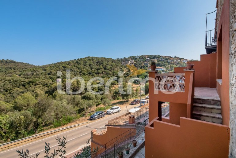 House  in Begur  for 6 people with parking in the property  p12
