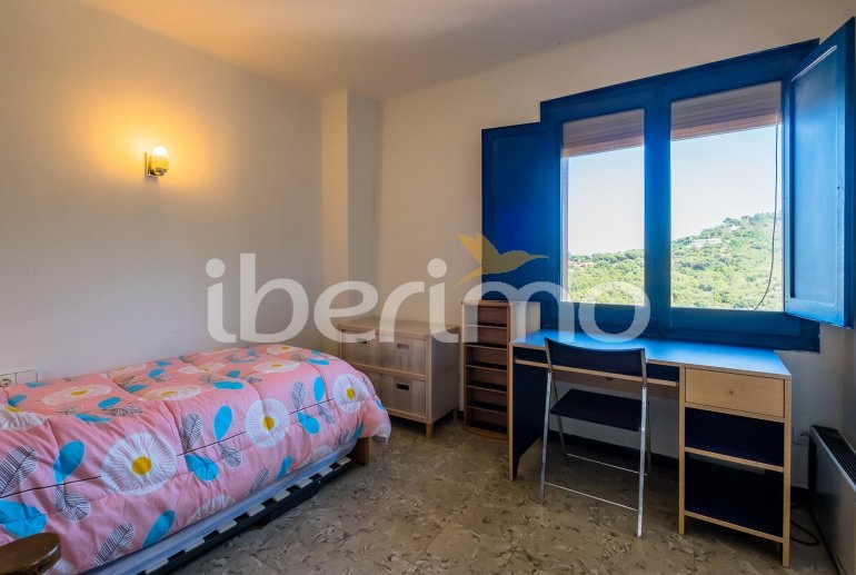 House  in Begur  for 6 people with parking in the property  p16