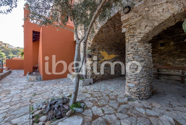 House  in Begur  for 6 people with parking in the property  p20