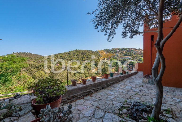 House  in Begur  for 6 people with parking in the property  p21