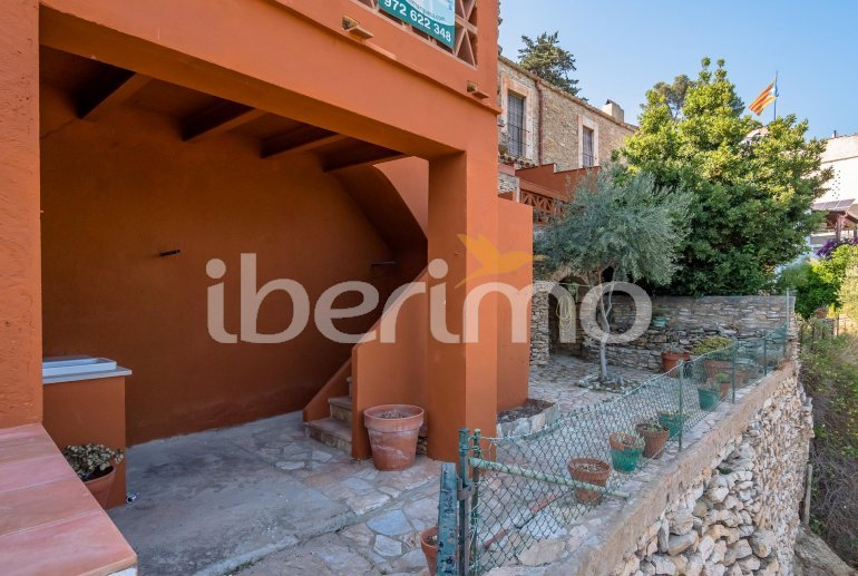 House  in Begur  for 6 people with parking in the property  p22