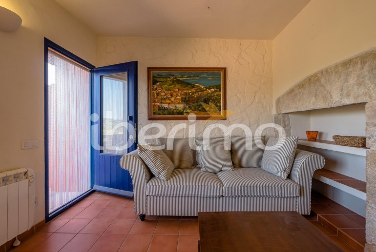 House  in Begur  for 6 people with parking in the property  p27