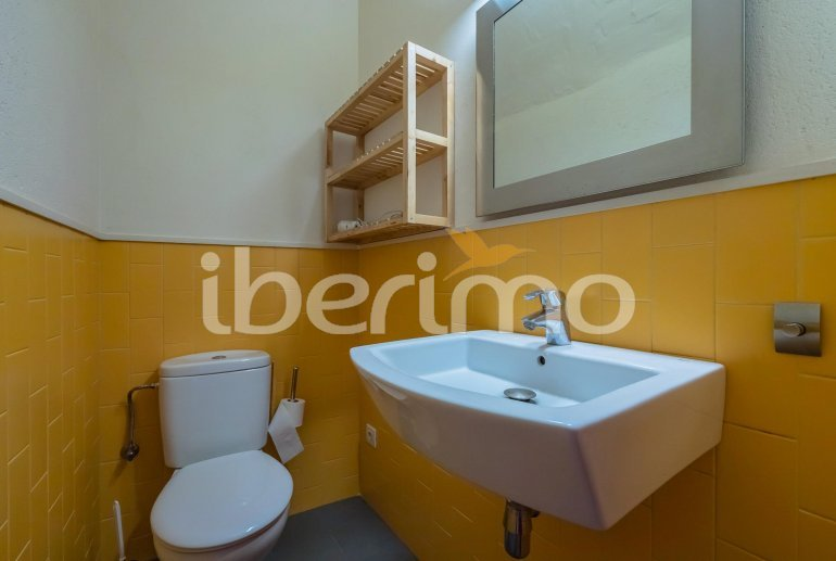 House  in Begur  for 6 people with parking in the property  p32