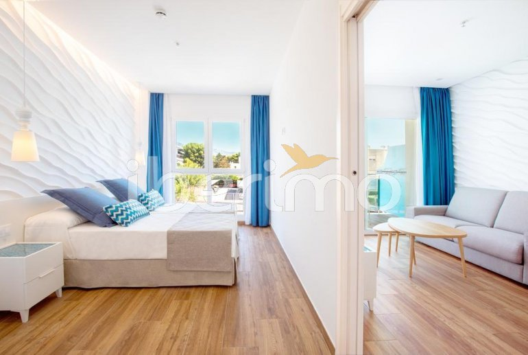 Apartment  in Alcossebre  for 4 people in a hotel complex with shared swimming pool on the seafront and adapted for reduced mobility  p5