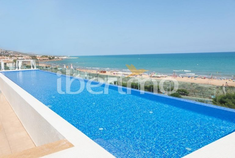 Apartment  in Alcossebre  for 5 people in a hotel complex with communal swimming pool on the seafront  p0