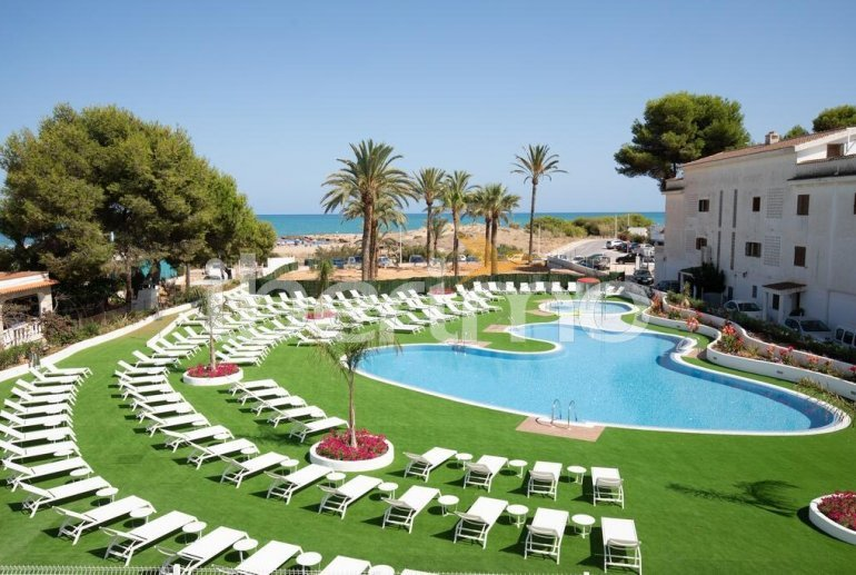 Family apartment  in Alcossebre  for 5 people in a hotel complex with communal pool and direct sea view  p15