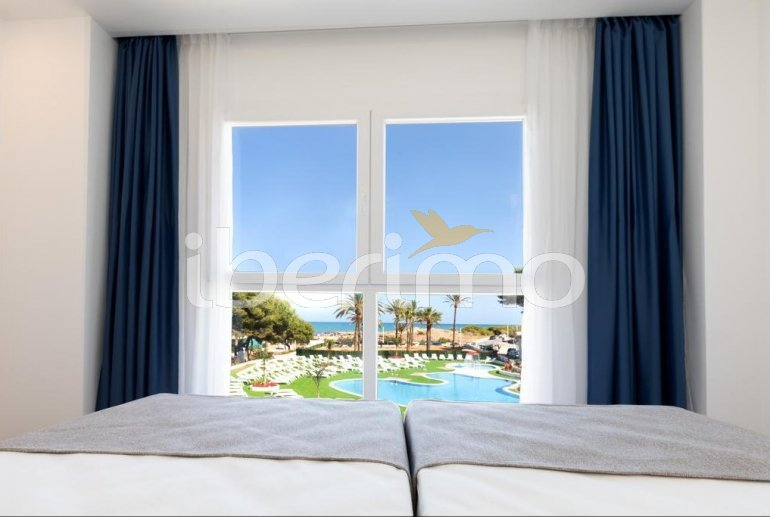 Family apartment  in Alcossebre  for 5 people in a hotel complex with communal pool and direct sea view  p12