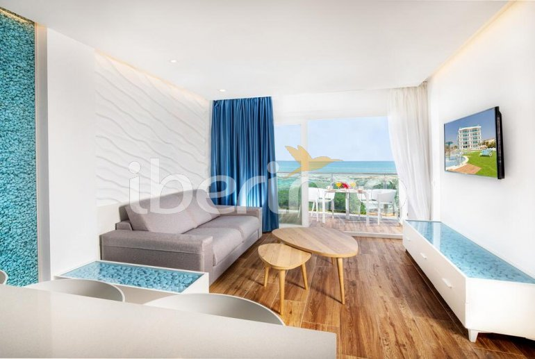 Family apartment  in Alcossebre  for 5 people in a hotel complex with communal pool and direct sea view  p7