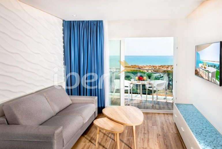 Family apartment  in Alcossebre  for 5 people in a hotel complex with communal pool and direct sea view  p6