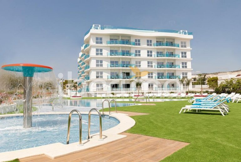 Family apartment  in Alcossebre  for 5 people in a hotel complex with communal pool and direct sea view  p5