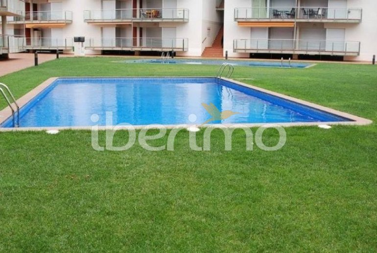 Flat   Rosas 6 persons - comunal pool and air conditioning p1