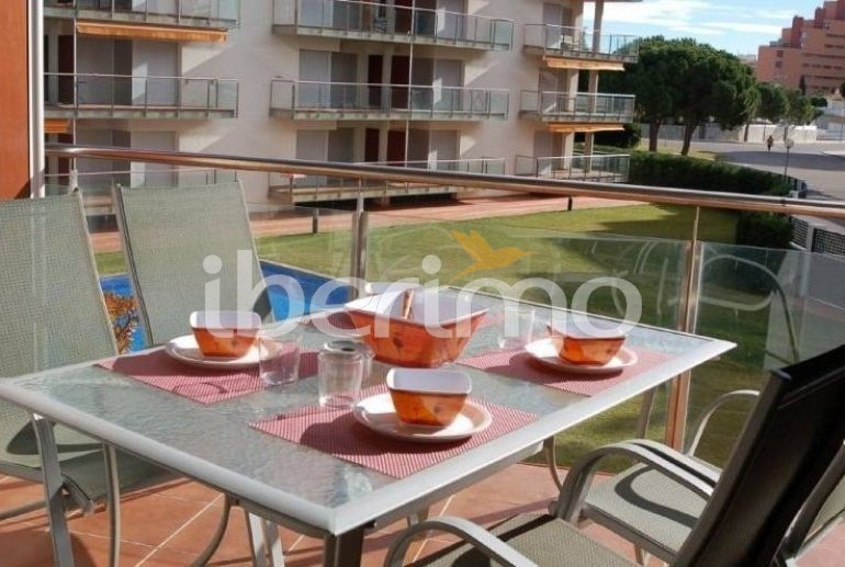 Flat   Rosas 6 persons - comunal pool and air conditioning p3