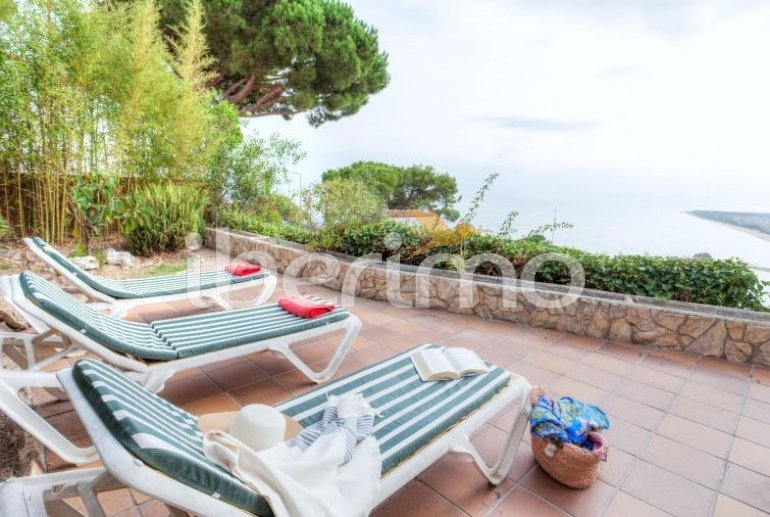 House   Blanes 6 persons - private pool p0