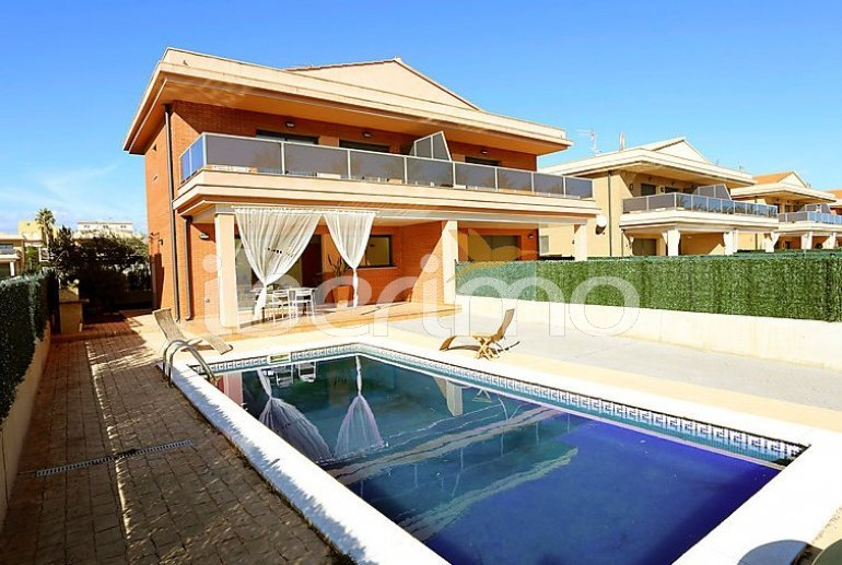 House   L'Ampolla 6 persons - private pool p4
