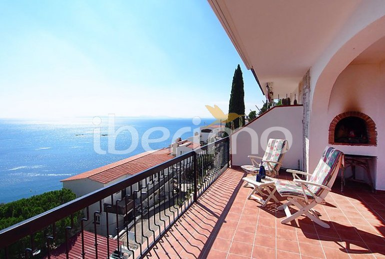 Flat   Rosas 4 persons - panoramic to the sea p1
