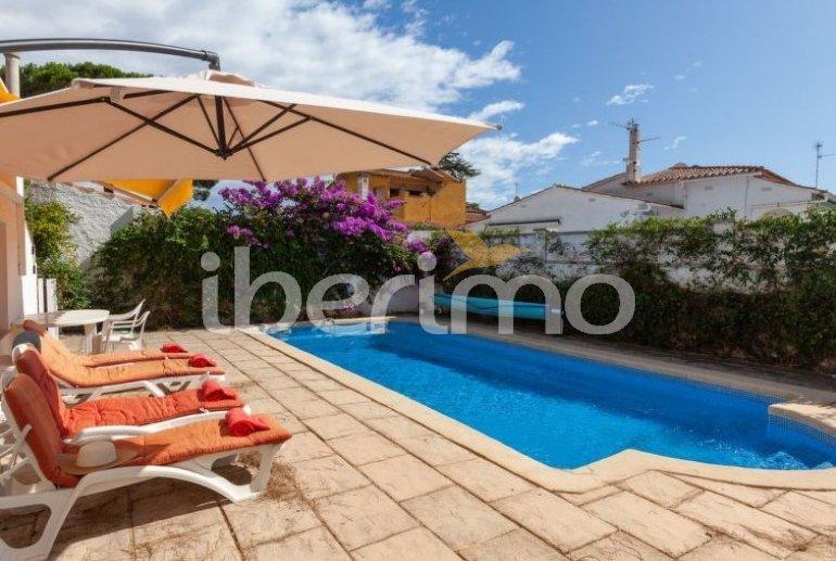 House   L'Escala 6 persons - private pool p0