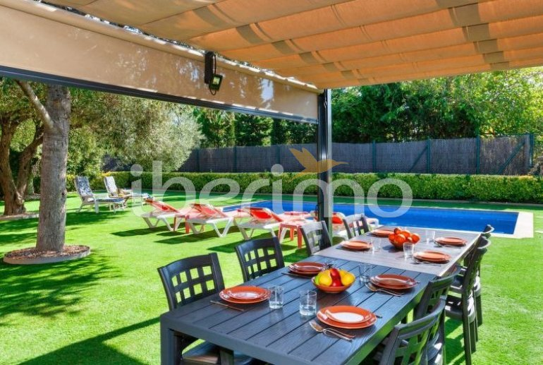 House   Pals 8 persons - private pool p1