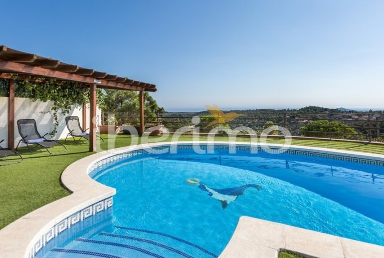 House   Lloret del Mar 8 persons - private pool, sea view and air conditioning p1