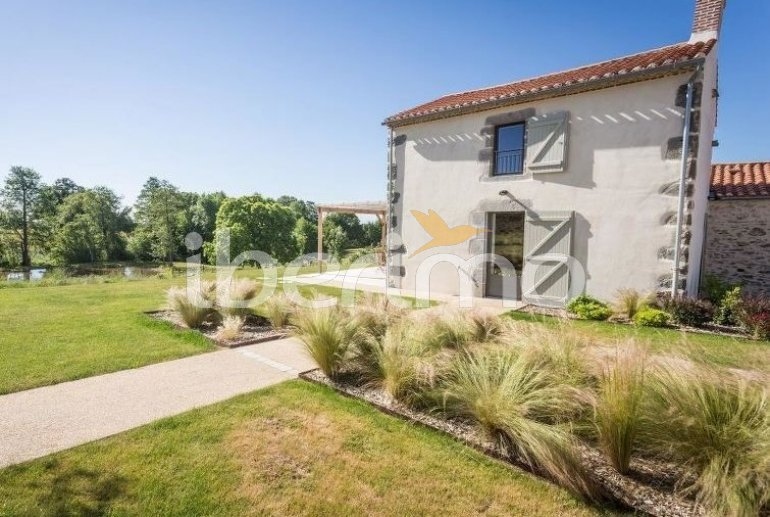House   Talmont Saint Hilaire 8 persons - private pool p1