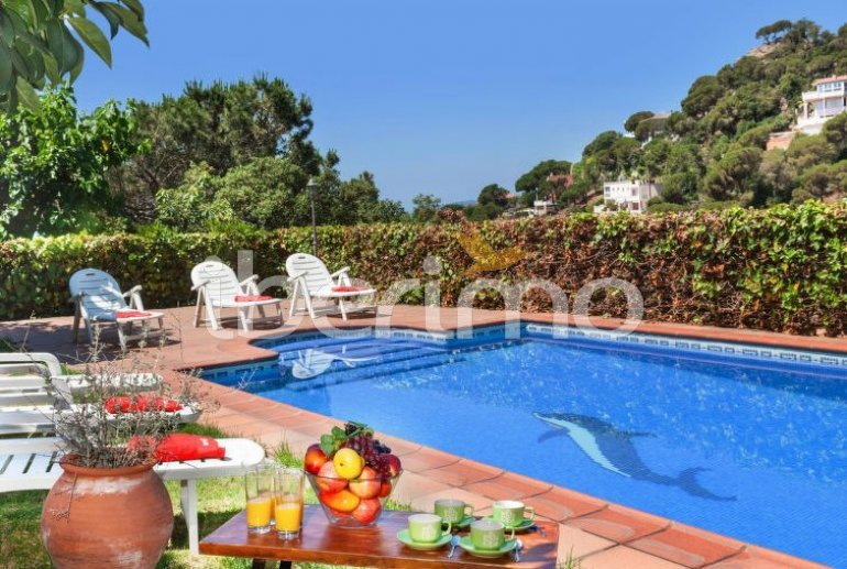 House   Lloret del Mar 15 persons - private pool p1