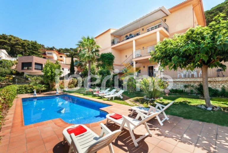 House   Lloret del Mar 15 persons - private pool p4